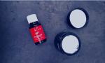 Weihrauch ätherisches Öl von Young Living und Tigel mit Gesichtscreme
